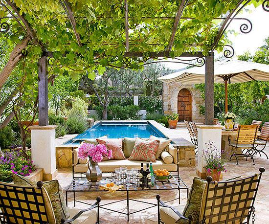 10 ways create a Backyard Getaway