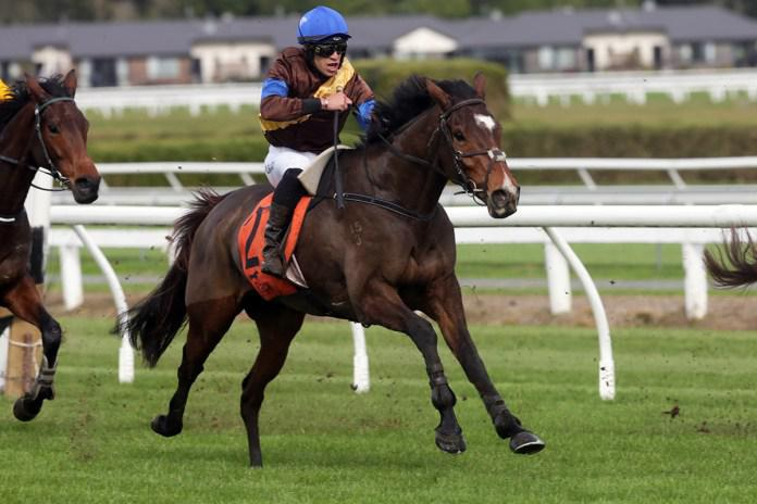 The Cossack marches home at Te Rapa