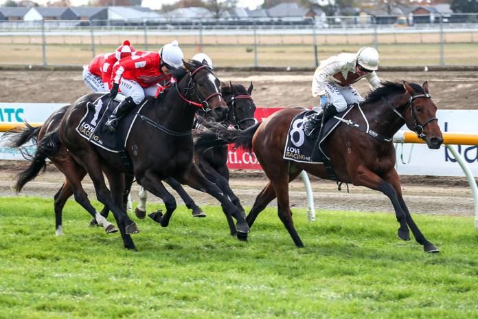 Auret captures stakes double at Riccarton