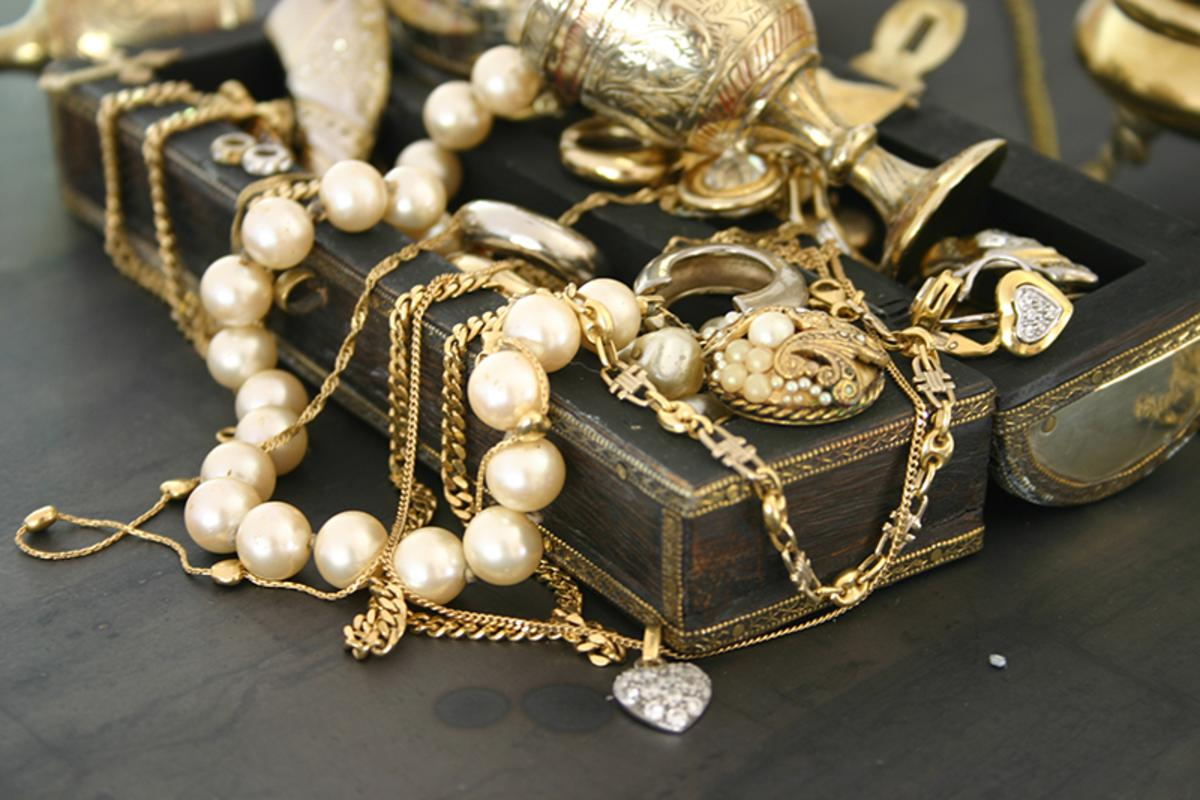 Your Jewelry for Cash Today! - Pawn Shop Philadelphia