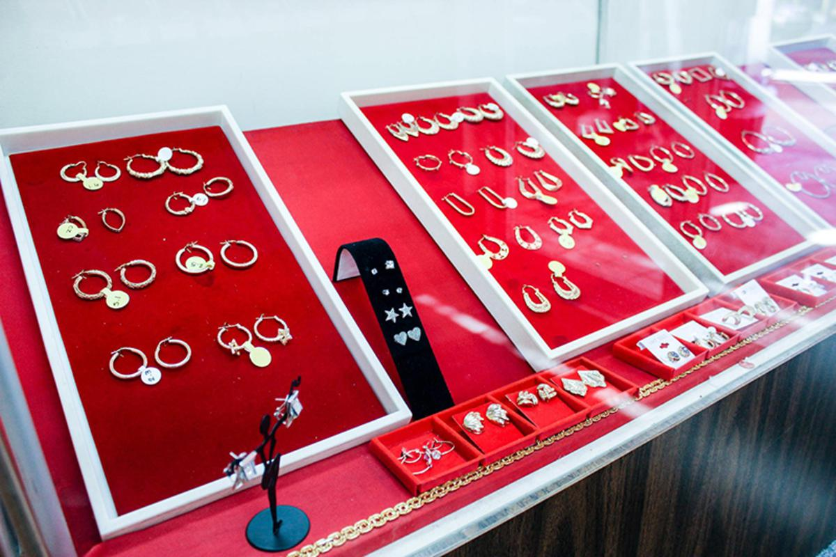 Come in and find your earrings at Pawn Shop Philadelphia