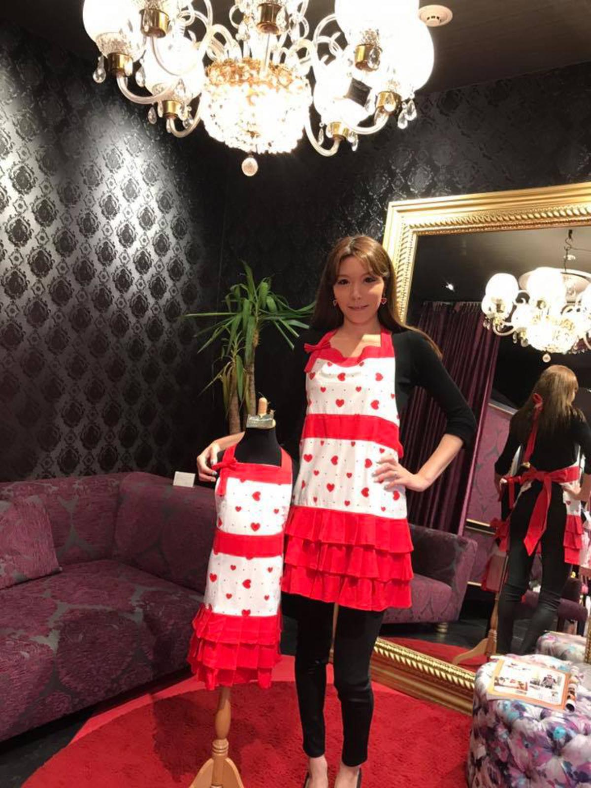 Hana's Red Heart Mummy and Me Apron Set