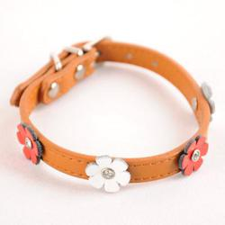 Dogo Design Collar adorned with flowers