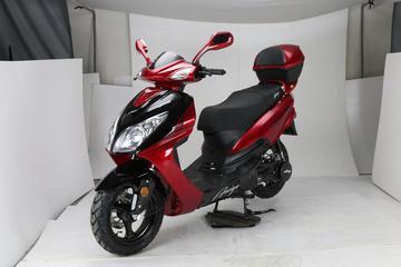 New 150cc Amigo Phenom gas motor scooter